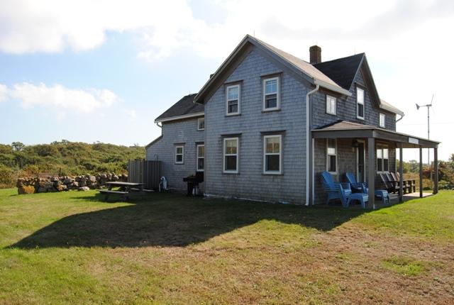Dunn cottage 945 dunn road block island ri 02807 for Block island cottage