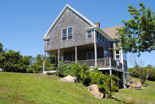 Turtle pond cottage 1657 pilot hill road block island for Block island cottage